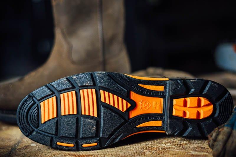 Ariat workhog safety sole with non slip grip