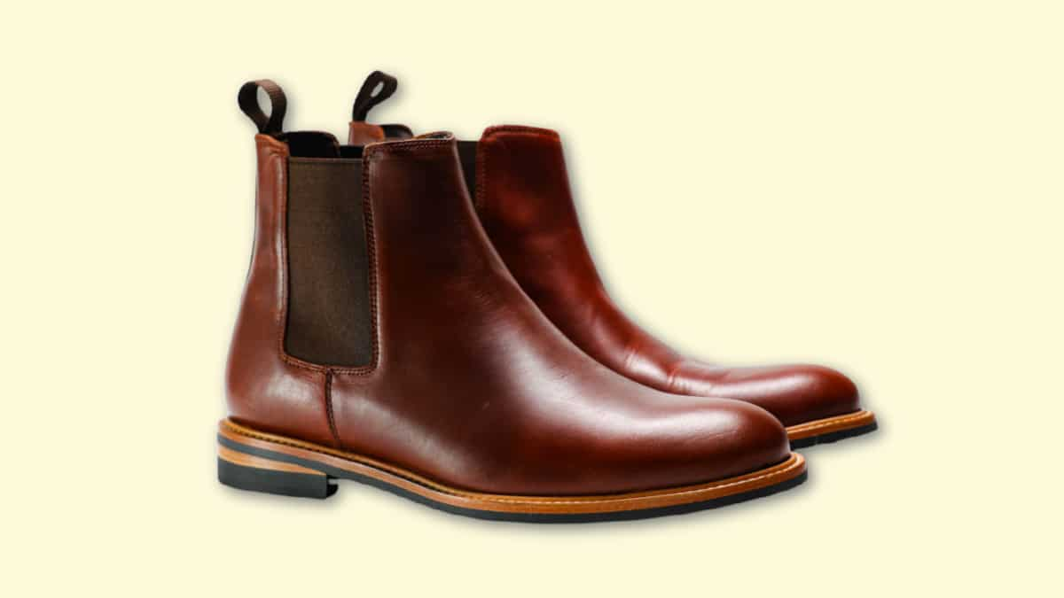 Nisolo Javier Chelsea Boot Review Blank Background Product Shot