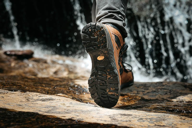 Vasque St Elias Hiking Boot sole detail on water