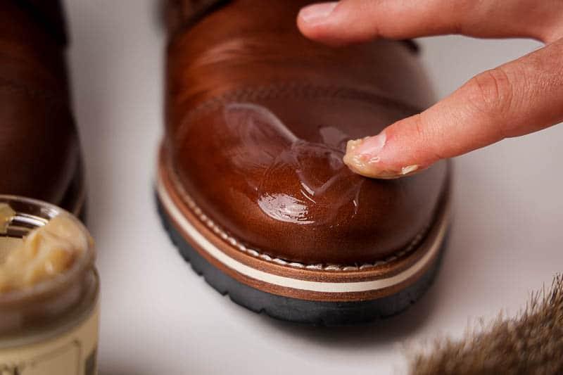 Blackrock leather n rich application