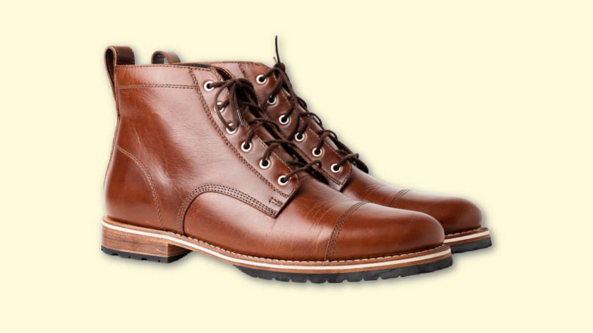 Helm Boots Hollis Review Helm Hollis in Brown on Blank Background