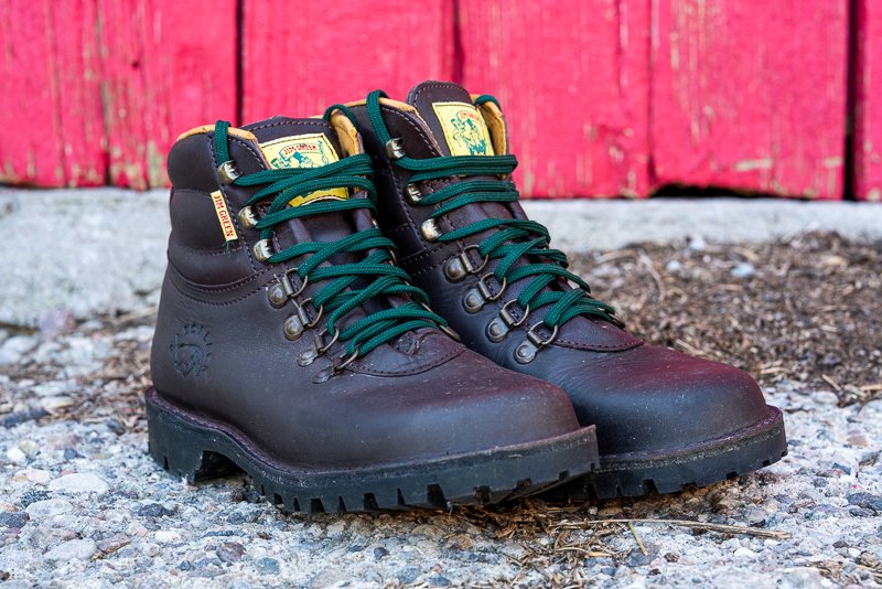 Jim Green Razorback hiking boot brown front view green laces